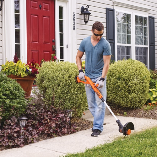 Black and Decker - 20V MAX Lithium 10 in String Trimmer  Edger - LST201