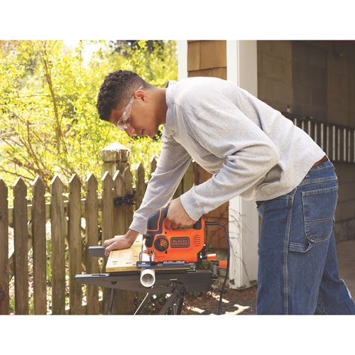 Black and Decker - 5 Amp Jigsaw with CurveControl - BDEJS600C