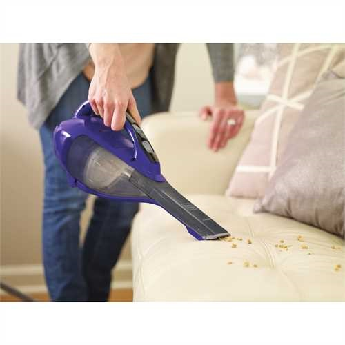Black and Decker - dustbuster Hand Vacuum Pet Purple with Scent  Base Charger - HLVA325BPS07
