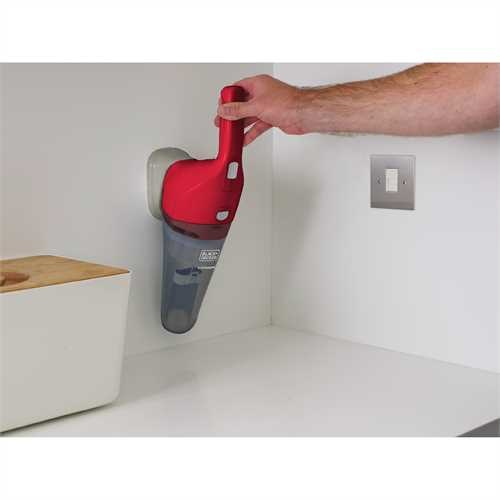 Black and Decker - dustbuster Hand Vacuum Chili Red - HNV115B26