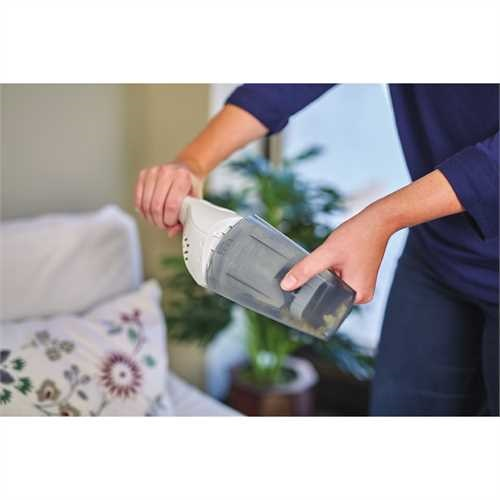 Black and Decker - Quick Clean Cordless Hand Vacuum - HNVB115J10