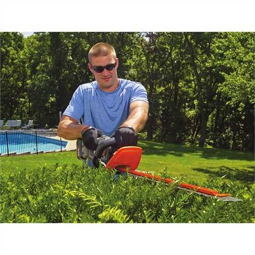 Black and Decker - 60V MAX POWERCUT 24 in Cordless Hedge Trimmer - LHT360C